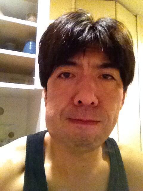 親不知抜いたら顔の腫れが半端ない!これ引くのかなぁ。 http://t.co/3h7V1jZMIb