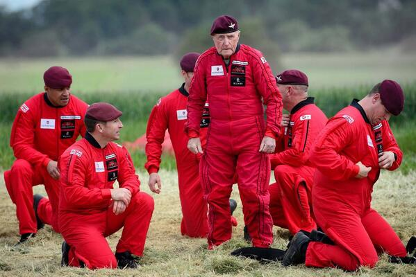 Reuters pic of 89-year-old D-Day vet Jock Hutton following a parachute jump with troopers to commemorate today: http://t.co/1mInTAepxU