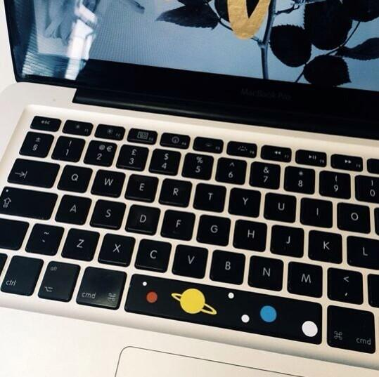 Who wants a free space bar (fits mac books at the mo) rt to win one I'll pick the best cadet on sat ⭐️⭐️⭐️#space http://t.co/yMBQHEEgqH