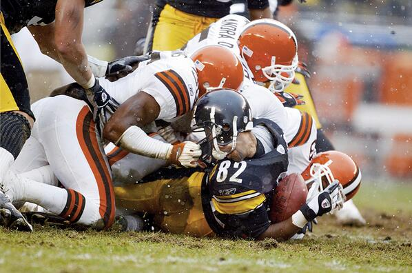 Antwaan Randle El nearly loses his head during a 2003 game against Cleveland: http://t.co/ALzvgPPIwh