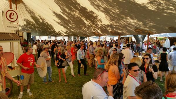 #ANV14 full swing and rockin' http://t.co/RYxvrVlaCK