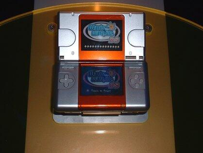 E3 2004 relic: Original DS demo unit http://t.co/MD4mcMFlEq