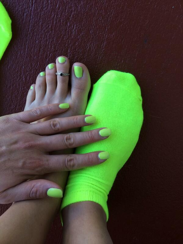 I'd say that I'm in a neon mood! #pedicure #feet #toes #footfetish #fetish #fingers #socks #toering #prettyfeet