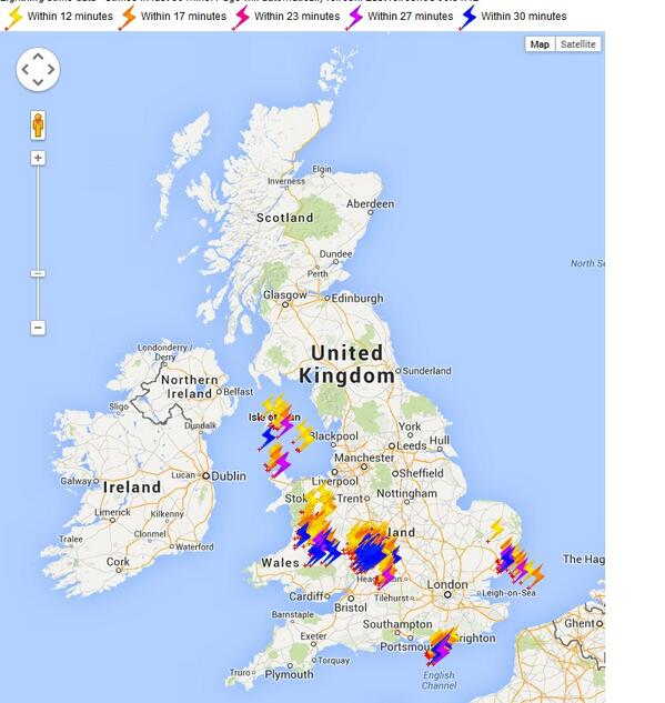 WOW! Check out the lightning strike data in the last 30 mins (6-6:30am). @SkyNews #weather http://t.co/R27JH608pt