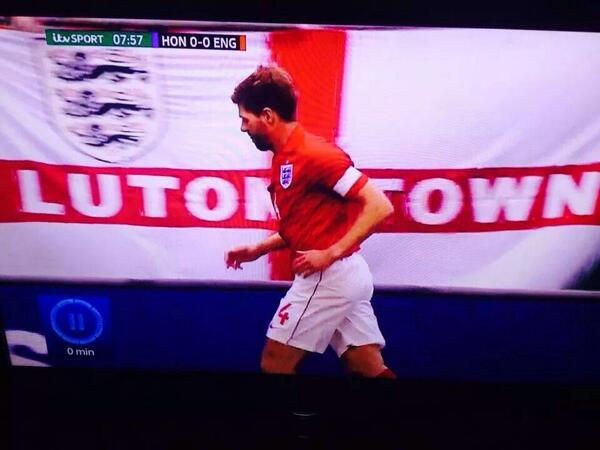 Luton Town St. George's cross spotted at the England vs Honduras game in Miami #COYH http://t.co/aHvQioim2G