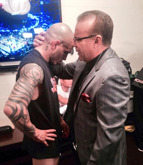 Alex D Castro junto a Miguel Cotto @RealMiguelCotto http://t.co/MH69StnlVh