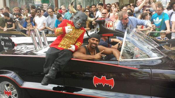 @mrdavidhaye and the @CirqueLeSoir gang are ready to kick off @gumball3000 in London! http://t.co/utgHSBuzmk
