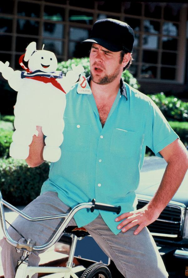 Dan Aykroyd with a Stay Puft Marshmallow Man toy. #Ghostbusters #Ghostbusters30thAnniversary http://t.co/ymoZEiKifW