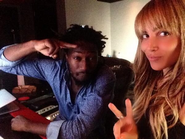 Studio Flow with @DjMarleyWaters http://t.co/5px0yup9Vd