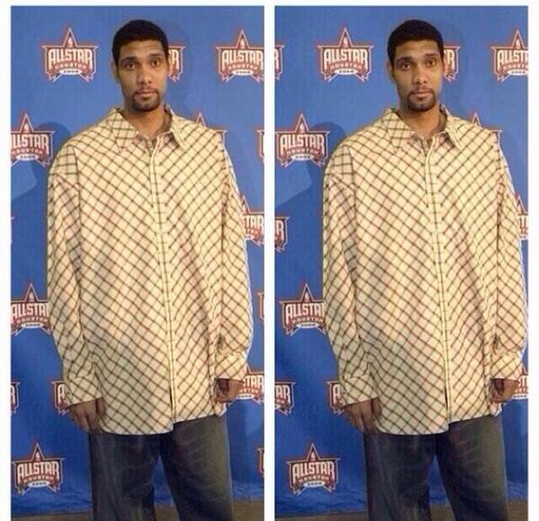 duncan got on barber cape with sleeves http://t.co/U8lvY6Uo4N