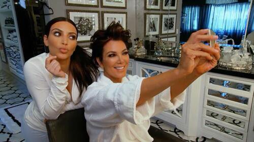 "Selfiesssss RT ""@KUWTK: We love Kim and Kris selfies! #KUWTK http://t.co/SVlGSgq9sv"""