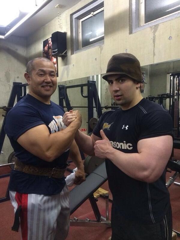 日曜日にジャパンセブンズに行かれた人は僕に似てる人をみかけたかもしれないですけど、僕の弟のブリンです。今シーズンからアシスタントs&cとしてパナに入りました。僕はしばらくNZにいるつもりです。#弟筋肉バカ http://t.co/8PPXgD68v1