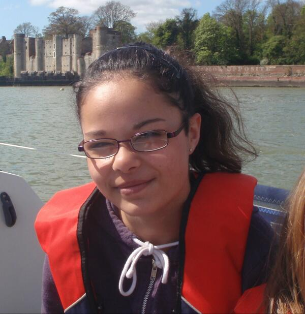.@kent_police looking for 12 year old Rhyanna Andrews from #Canterbury, possibly in #Brighton area. Call 101. http://t.co/jpV3SdhINt