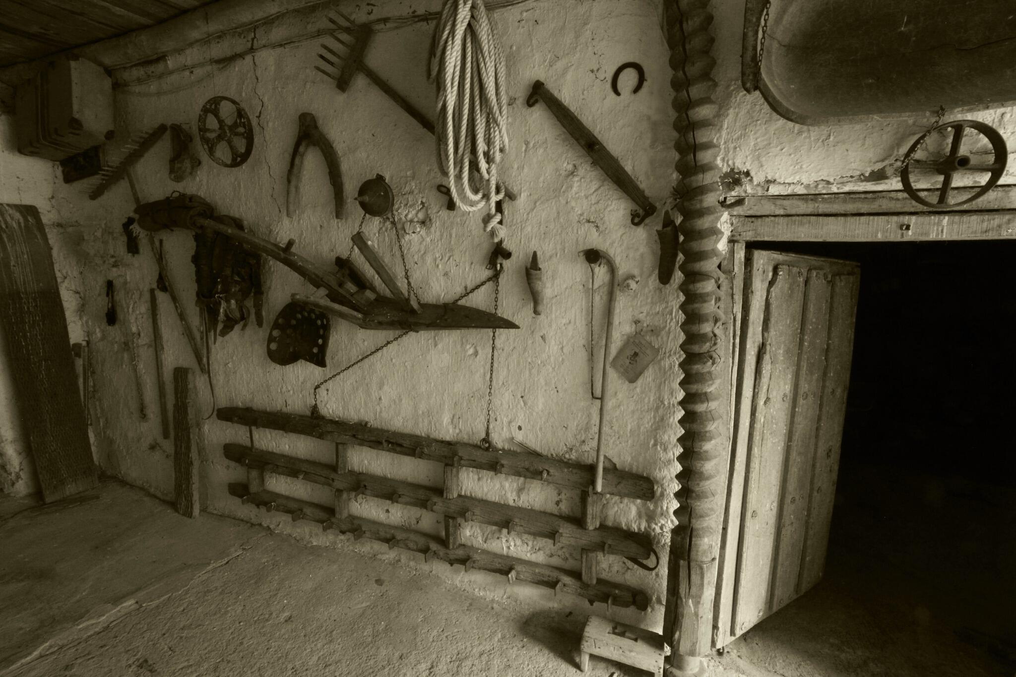 Así de guapo tiene mi padre el portalón del pueblo. su propio museo etnográfico #matadeon #leonesp http://t.co/fA09uFfaLx