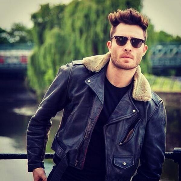 """@EdWestwick: Shades and vibes #topgun http://t.co/WvcVODay6C""great look!"