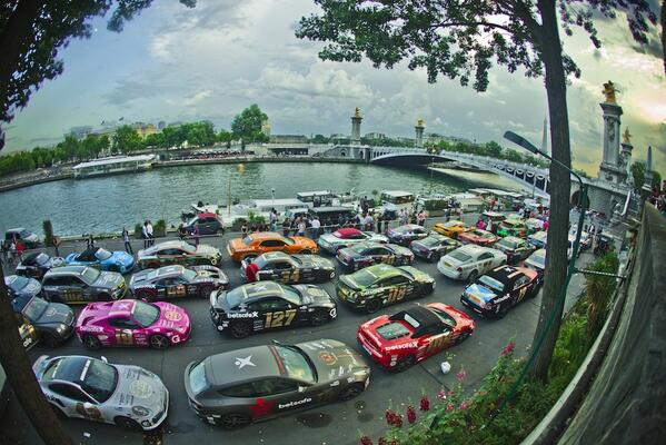 Such a beautiful setting for such beautiful cars #gumball3000 #Paris http://t.co/VqYnJpmBCv