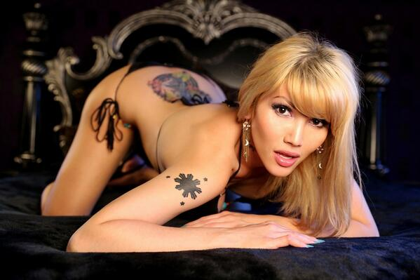 Happy to announce the signing of #Transsexual Performer of the Year & contract star
