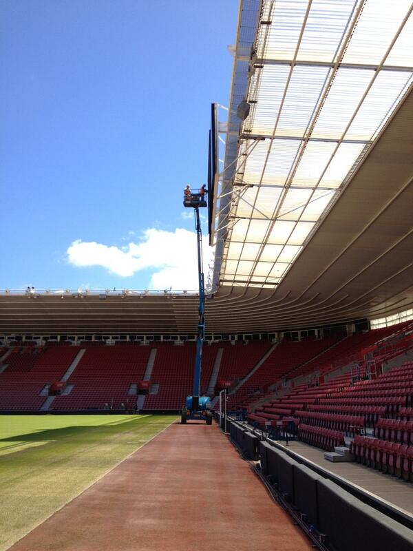 The #saintsfc big screens are on their way down after a £3 million bid from Liverpool was accepted... http://t.co/fbBaO5l2CM