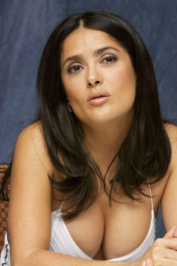 breast Salma hyack