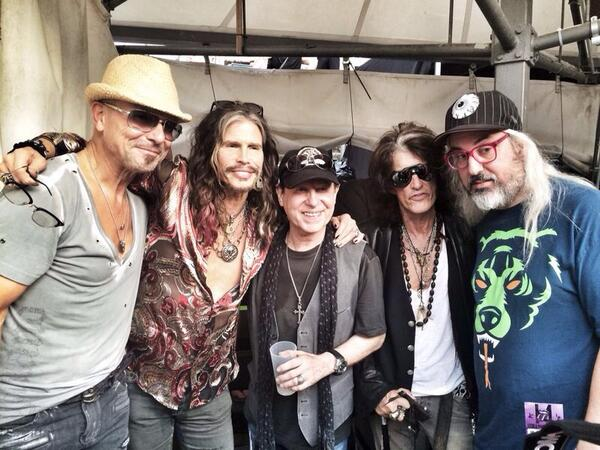 We're all back again at the @RollingStones show... @IamStevenT @JoePerry @Aerosmith @scorpions http://t.co/p3T9SUudKA