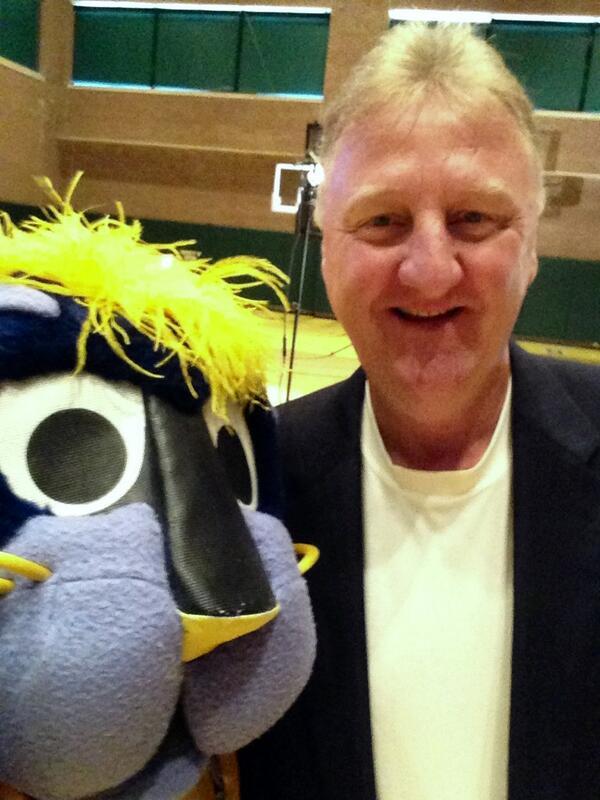 "It's Selfie Tuesday! Larry ""Legend"" Bird @Pacers @NBAHistory @NBA #TallerthanMe http://t.co/nJ6pmT8km5"