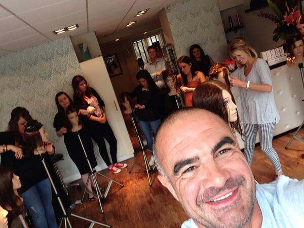 With the lovely ECLIPSE team in Thame #redken ready want me in your salon contact Redken http://t.co/x61vnqFIqh
