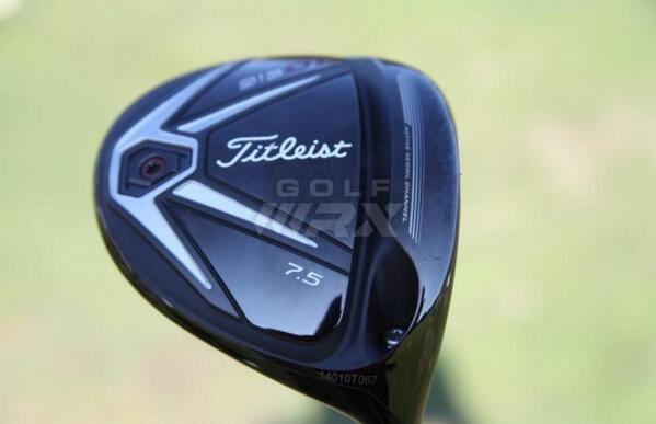First Look: @Titleist's 915D drivers that we spotted on the range at the @QLNational http://t.co/kYOuW0AnNk http://t.co/9KVJCzPiUc