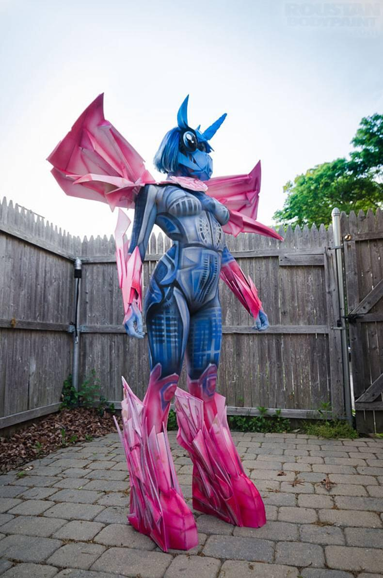 My Little Pony X Transformers ^ ^ #bodypaint #cosplay http://t.co/PlWJUi0A7m