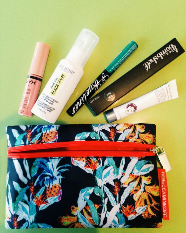 Just received our @ipsy Pretty in Paradise Glam Bag containing a deluxe sample of our DD Cream! <3 #makeup #skincare http://t.co/oDLfW4ElTc