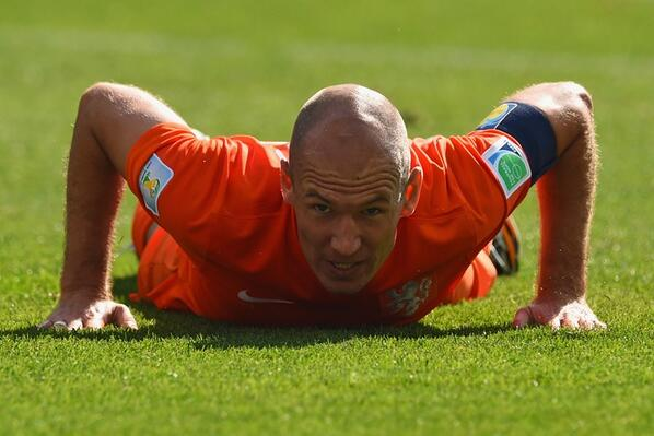 Bq1W6mJIgAABZte Arjen Robben hailed as the best player at the World Cup so far after another fine display v Chile