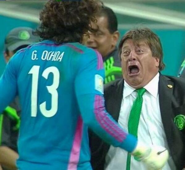 Esta cara del Piojo para Portadaaaaaa please!!! @record_mexico http://t.co/eR7KjqXIOu