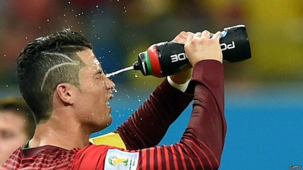 Bq3VNjdIAAAUMBY It was a myth! Cristiano Ronaldo's new haircut WASNT to match a young fans scar who had undergone brain surgery