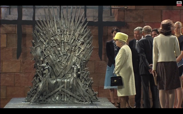 Queen Elizabeth stands beside the Iron Throne, doesn't sit down, disappoints entire internet http://t.co/LMesE4e8Sw