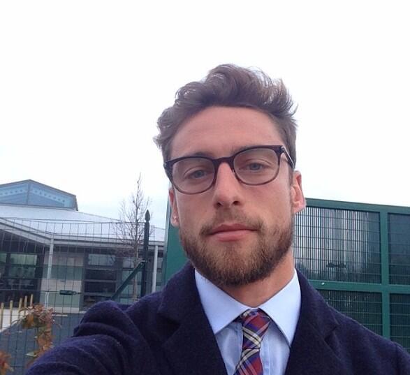 Dice Marchisio que no importa que lo expulsen, él vino a este mundo a ser guapo. http://t.co/CvVLHxBrkH