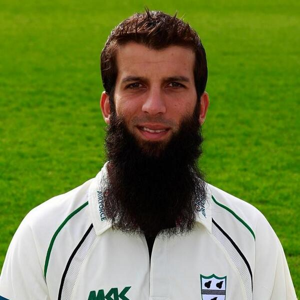 A @WorcsCCC and @ECB_cricket hero! RT if #MoeenAli is your hero too! #thebeardthatsfeared http://t.co/QgPPcgAMVW