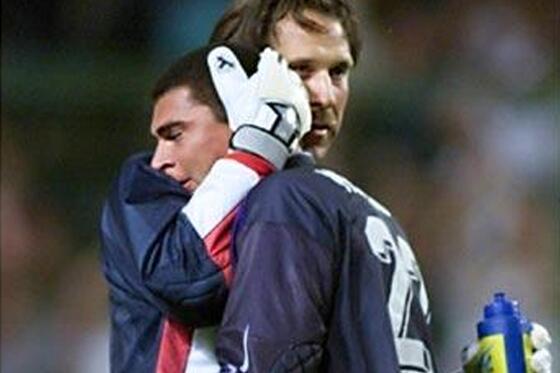 Lloró en la derrota en Francia 98 frente a los ingleses, hoy llora victoria y récord #VamosColombia Grande Faryd http://t.co/0yeobxlZOV