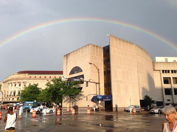 How gorgeous is that. @EastmanSchool under the rainbow. http://t.co/Iz4b6h7e6w