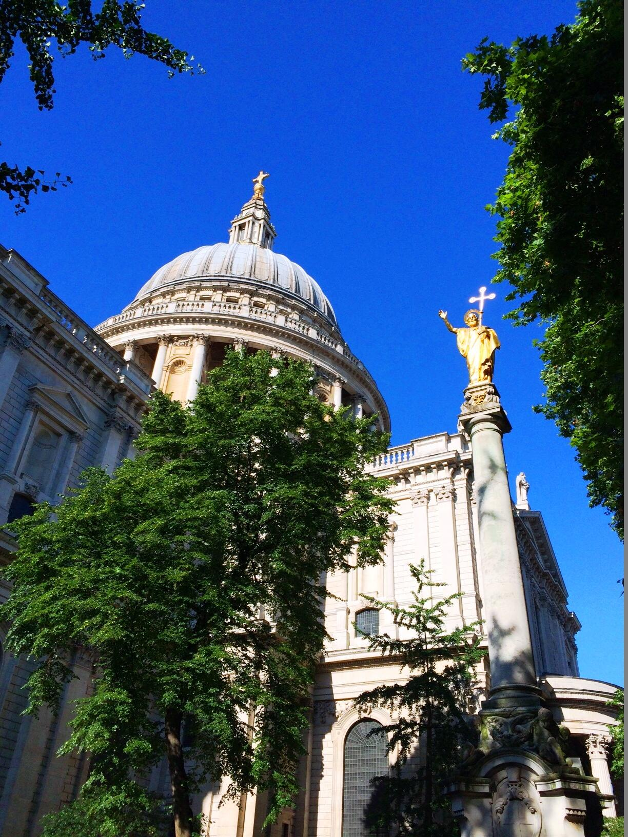 RT @StPaulsLondon: As #WorldCup matches continue in Brazil's largest city, our very own São Paulo glistens in London's morning sun. http://t.co/27bedkVH6k
