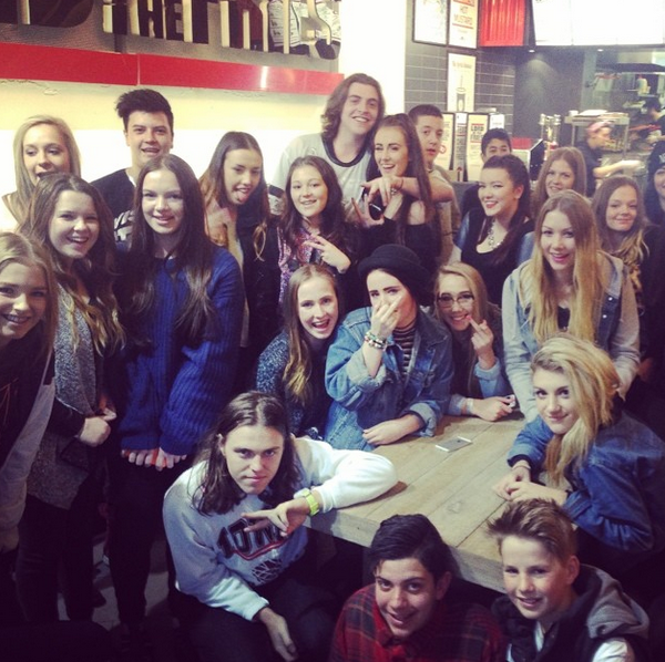 Got enough fans there, @alldaychubbyboy? Spotted dining out with a serious entourage at our Chapel St store. http://t.co/vJescyumsS