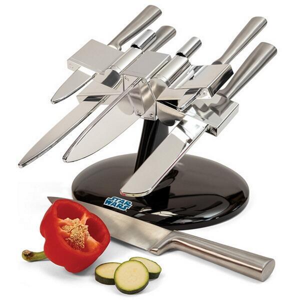 Aquí tienes los cuchillos de Star Wars! Si te mola lo traeremos! RT!!!  #MolaríaParaVIPS http://t.co/zLv2GztSP6 http://t.co/ydL86A6qw2