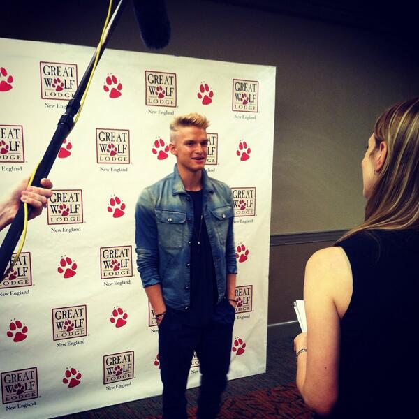 We are so thrilled to welcome @CodySimpson to #gwlnewengland http://t.co/VA9T53zJ5w