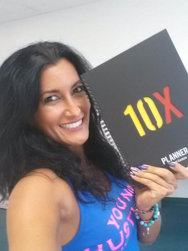 Everyday I plan for greatness #10X planner old skool style w/paper n pen like @GrantCardone http://t.co/OD9AkckFhZ
