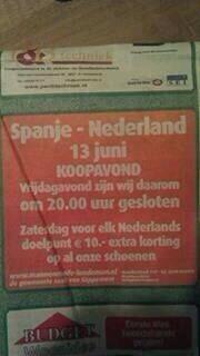 "Hahaha.. LOL ""@WKDaily: Deze zaak is morgen failliet dankzij Spanje - Nederland http://t.co/U7Zu7vPMA9"""