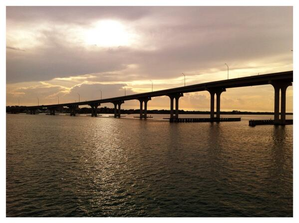 Life is good drinks and dinner at sunset #StAugustine http://t.co/oID8kkYqz2
