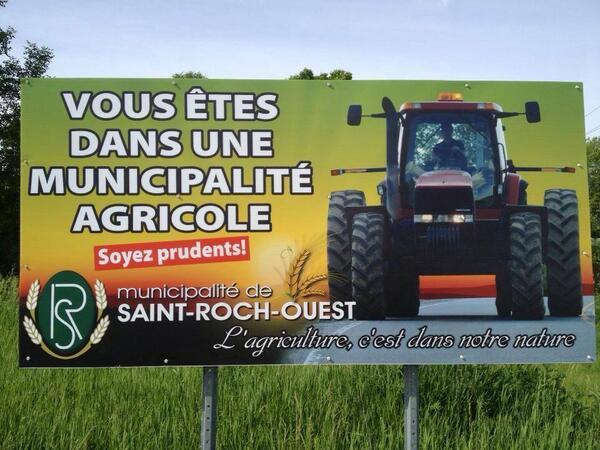 Belle initiative de nos amis québécois,  en France nous faisons tout le contraire avec des aménagements inadaptés. .. http://t.co/1v08IFTcDW
