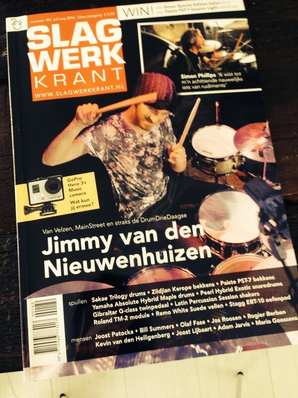 Hier NOG een keer de cover :) http://t.co/M5lRGJWqkV