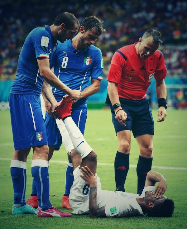 L'immagine più bella, per me. Sport. #ItaliaInghilterra http://t.co/FCz8W3UFGm
