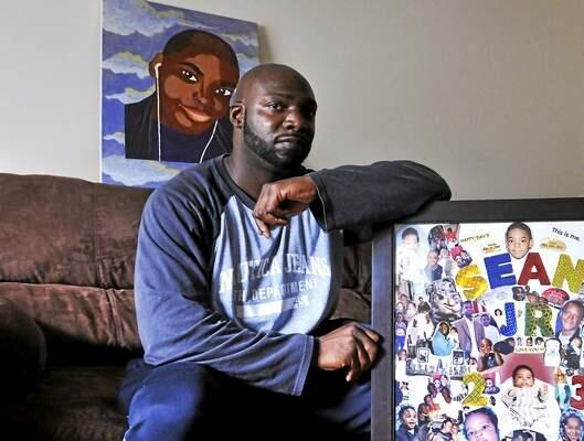 #NewHaven dad feels loss of son on #FathersDay as he works to help others: http://t.co/nZDuDohVW6 #nhv http://t.co/pSfjgxBA8w