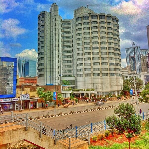 Opened in 1984,the Nairobi Safari Club is one of the most iconic buildings in Nairobi. Pic via @KenyaPics http://t.co/j8xw1ZgC67
