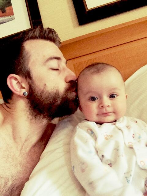 First Father's Day for me and starting off with a BlissBelle cuddle....loving it http://t.co/Ybx5LmuDXM